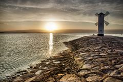 Moulin à vent historique Stawa Mlyny, Swinoujscie, Pologne de phare Photographie stock