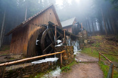 Moulins à eau figés Image libre de droits