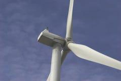 Moulins à vent avec le ciel bleu Photo libre de droits
