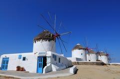 Moulins à vent célèbres d'île de Mykonos, Cyclades Photographie stock