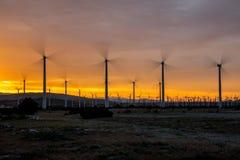 Moulins à vent dans le mouvement Photos stock
