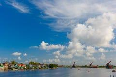 Moulins à vent dans Zaanse Schans, Hollande, Pays-Bas Image stock