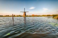 Moulins à vent de Néerlandais d'historiens Image stock