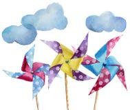 Moulins à vent de papier de point de polka d'aquarelle avec des nuages Moulin à vent tiré par la main de vintage avec la rétro co illustration libre de droits