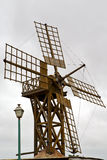 Moulins à vent de trou en île de   espagne   et le ciel Photos libres de droits
