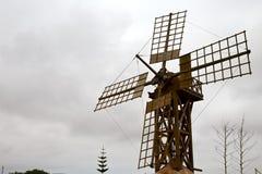Moulins à vent de trou en île de Lanzarote Espagne Images stock