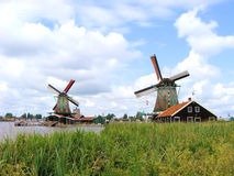 Moulins à vent hollandais Image stock