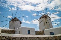 Moulins à vent locaux dans Mykonos et x28 ; Greece& x29 ; images stock
