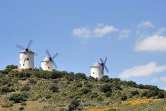 moulins à vent médiévaux de l'Espagne Photo stock