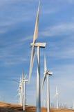 Moulins à vent pour l'énergie de substitution  Photo libre de droits