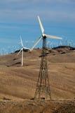 Moulins à vent pour l'énergie de substitution  Images stock