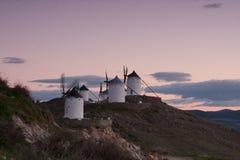 Moulins à vent sur l'horizon Image libre de droits