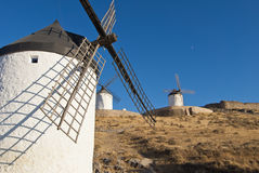 Moulins à vent traditionnels en Espagne Image stock
