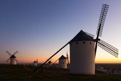 Moulins de vent au champ Image libre de droits