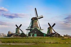 Moulins de vent aux Pays-Bas photo stock