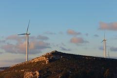 Moulins de vent géants Images stock