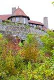 Moultonborough, NH,美国- 2012年11月2日:在云彩的城堡 免版税库存照片