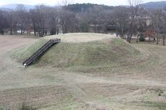 Mound B seen from Mound A of Etowah Indian Mounds Historic Site. Etowah Indian Mounds are prehistoric archaeological site located on the bank of Etowah river Stock Images