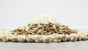 A mound made with lentils and rice, surrounded by a ring of chickpeas Stock Photo