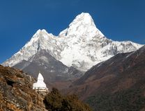 Mount Ama Dablam with stupa near Pangboche village. Way to mount Everest base camp - Khumbu valley - Nepal Royalty Free Stock Photos