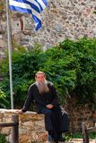 MOUNT ATHOS, GRIECHENLAND - JUNI 2012: Orthodoxer Priester lizenzfreies stockbild