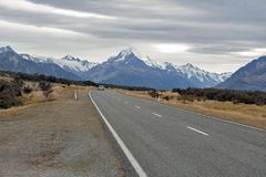 Mount Cook Road (State Highway 80) along the Tasman River leading to Aoraki / Mount Cook National Park and the village Royalty Free Stock Photography