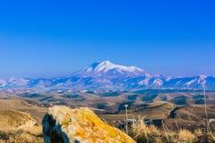 Mount Elbrus - самая высокая вершина в Европе Стоковые Изображения RF