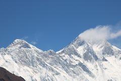 Mount Everest красиво и известно для быть самой большой горой в мире стоковые изображения rf