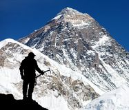 Mount Everest from Kala Patthar and silhouette of man Royalty Free Stock Photography