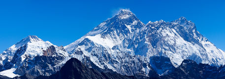 Mount Everest mit Lhotse und Pumori Stockfotografie
