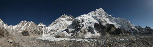 Mount Everest och den Khumbu glaciären, Himalayas, Nepal Arkivfoton