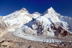 Mount Everest from Pumo Ri base camp Royalty Free Stock Photos