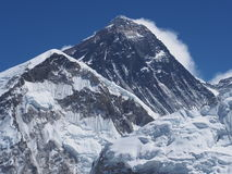 Mount Everest som ses från Kala Patthar Arkivbilder