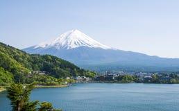 Mount Fuji с озером Kawaguchiko Стоковые Фотографии RF