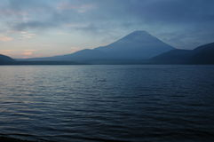 Mount Fuji at dawn Stock Photos