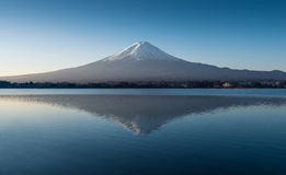 Mount Fuji in the early morning with reflection on the lake kawaguchiko Stock Photos