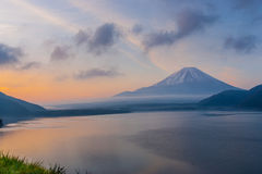 Mount Fuji i morgonen Royaltyfri Fotografi