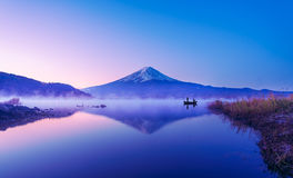 Mount fuji at Lake kawaguchiko, twilight Royalty Free Stock Photos