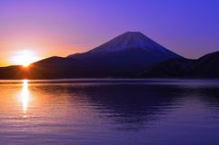 Mount Fuji and Sunrise of the morning glow from Lake Motosu Japan Stock Images