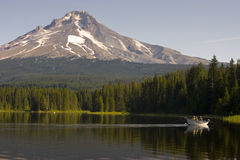 Family Fishermen Boaters Mt Hood Trillium lake Royalty Free Stock Images