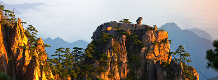 Free Mount Huangshan Royalty Free Stock Photo - 26673945