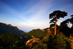Mount huangshan sunrise in July 2007 Royalty Free Stock Photos