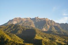 Mount Kinabalu Сабаха во время дневного времени стоковое изображение