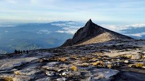 Mount Kinabalu på toppmöteplatån Royaltyfri Bild