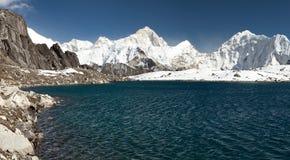 Mount Makalu above lake near Kongma La pass Royalty Free Stock Photos