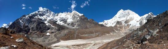 Mount Makalu, Barun valley, Nepal Himalayas stock photography