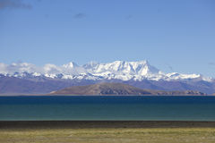 Mount Nyainqntanglha and lake Namtso Royalty Free Stock Photos