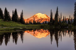 Mount Rainier reflection from Tipsoo Lake. At Sunrise Stock Photo