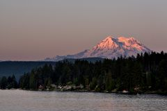 Mount Rainier Sunset Royalty Free Stock Images
