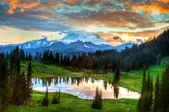 Mount Rainier Twilight. Beautiful autumn sky over Tipsoo Lake with Mount Rainier in background Royalty Free Stock Photography